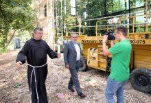 #Premijer posjetio gvardijana u Franjevačkom samostanu Tuzla