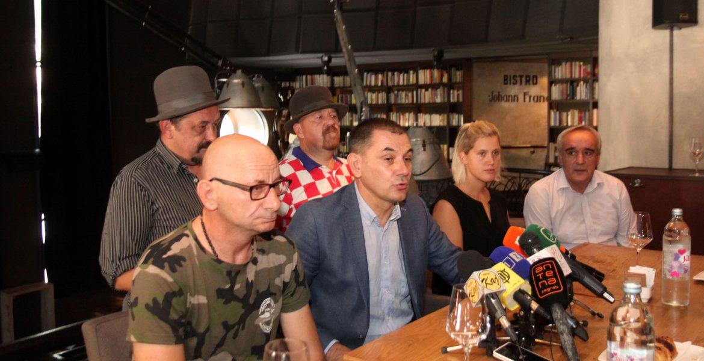 Gledanje utakmice na Trgu bana Jelačića uz dobru zabavu!