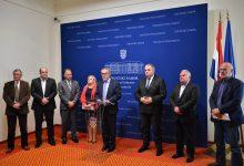 U svim odlukama koje unose razdor i podjele u hrvatskome društvu trebamo pristupati s dužnim oprezom