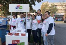 Akcija Foruma mladih: Dijeljenje jagoda i kestena građanima