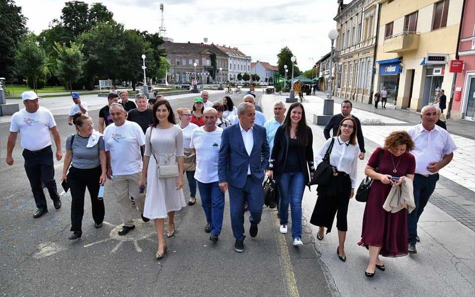 Danas su kandidati s liste za II Izbornu jedinicu predvođeni nositeljem liste i gradonačelnikom Grada Zagreba Milanom Bandićem posjetili Križevce i Koprivnicu